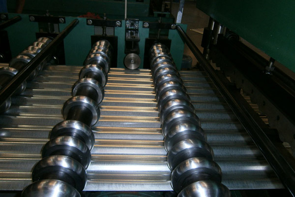 corrugated-sheet-roll-forming-machine-6.jpg