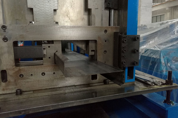 czu-purlin-roll-forming-machine-2.jpg