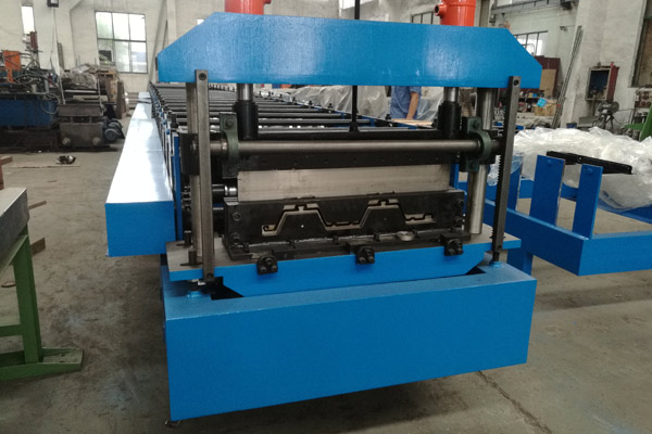 floor-deck-roll-forming-machine-1.jpg