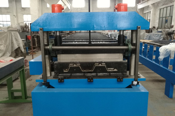 floor-deck-roll-forming-machine-3.jpg
